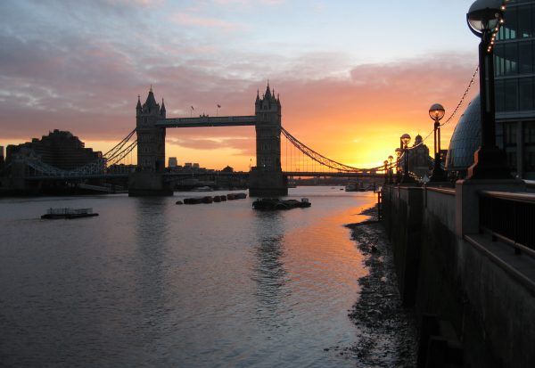 tower-bridge-sunrise-1232275